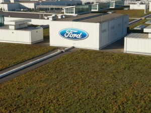 Living roof, Ford's Michigan River Rouge truck factory. Photo credit: Sustainable Business News