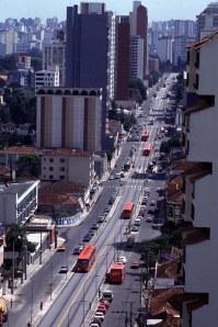 Curitiba Trinary Road Configuration - bairro juvevê_canaleta do expresso biarticulado